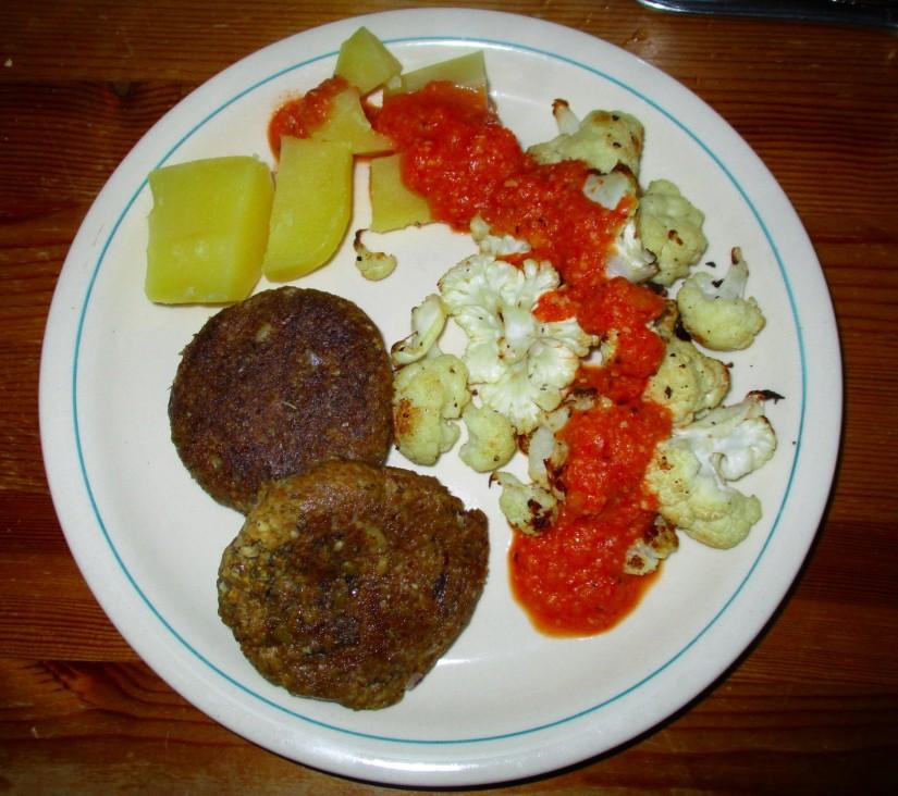 bloemkool met rode saus tomatensaus vegan veganistisch e-nummervrij suikervrij lactosevrij glutenvrij