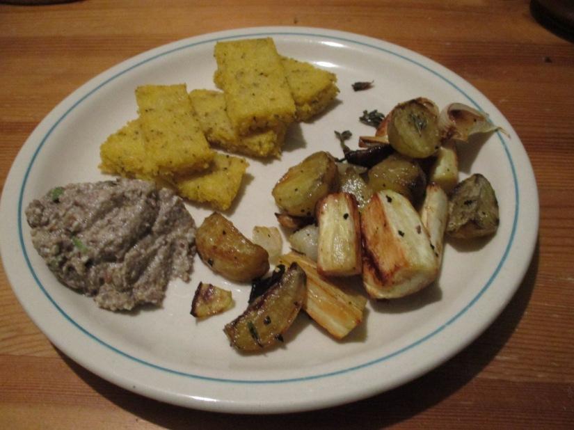 geroosterde groenten met polentafrietjes vegan veganistisch glutenvrij