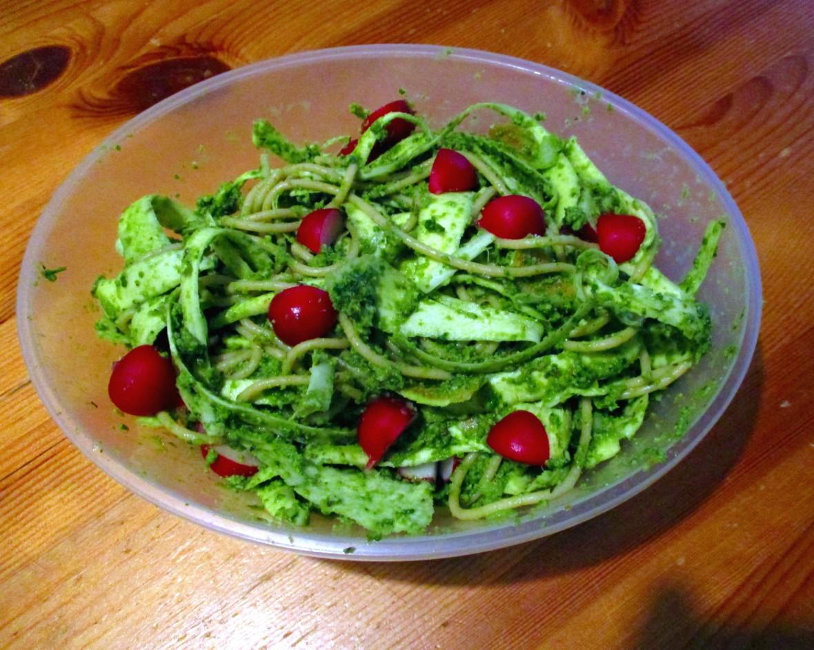 radijsjesblad pesto met pastinaakpasta vegan veganistisch suikervrij e-nummervrij lactosevrij