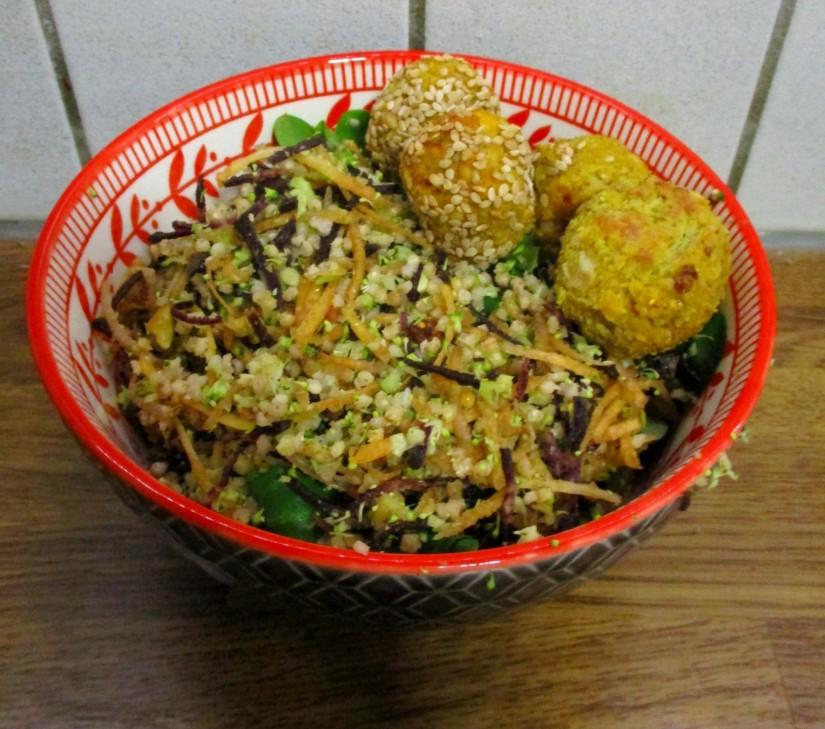 salade met broccolicouscous suikervrij e-nummervrij vegan veganistisch lactosevrij glutenvrij ei-vrij