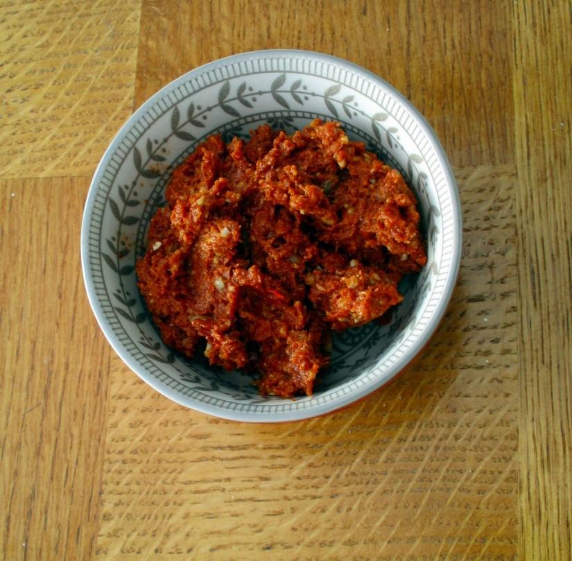 snelle tapenade van zongedroogde tomaatjes suikervrij lactosevrij vegan veganistisch