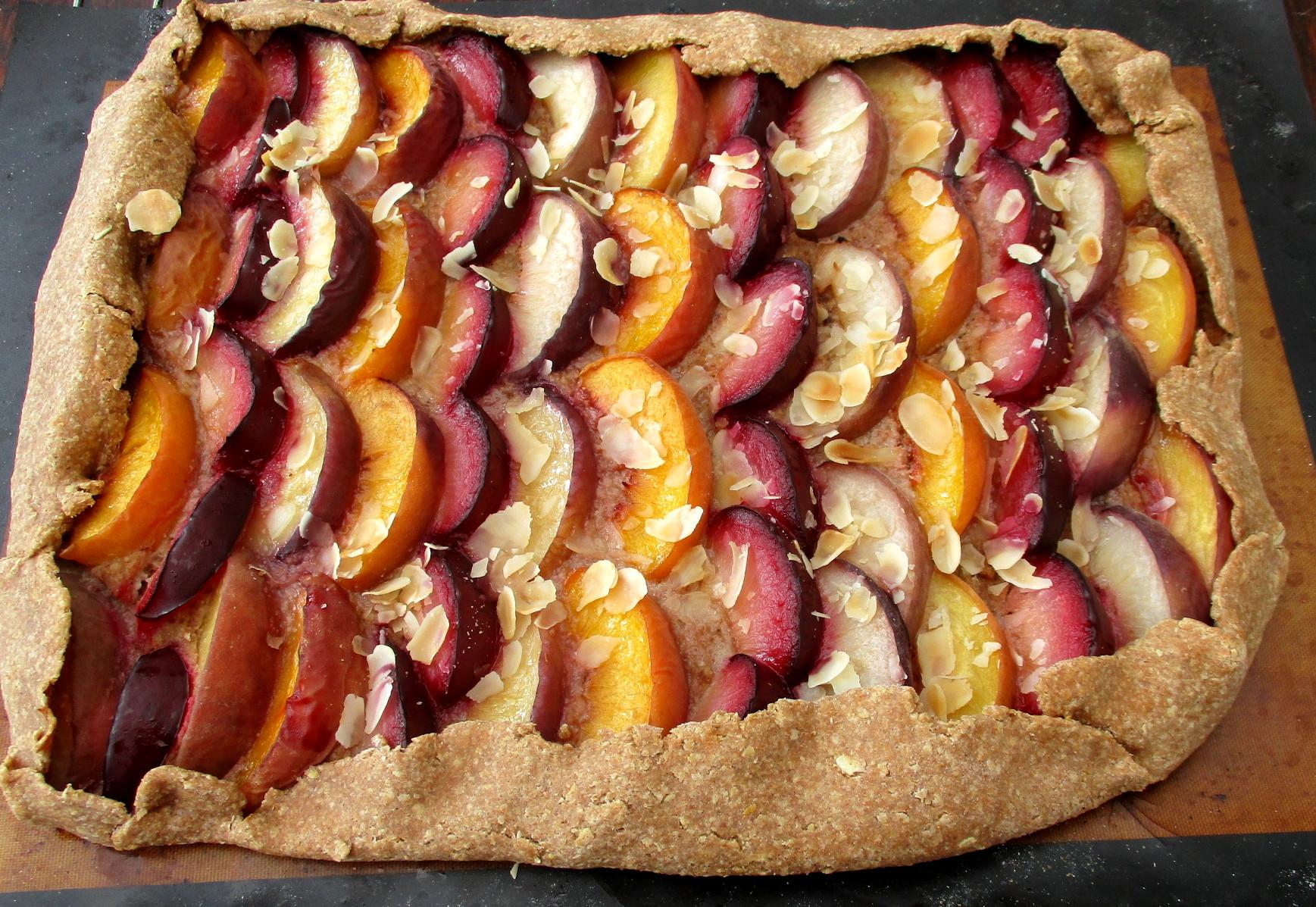 zomergalette vegan veganistisch lactosevrij suikervrij eivrij perzik en pruim gebak