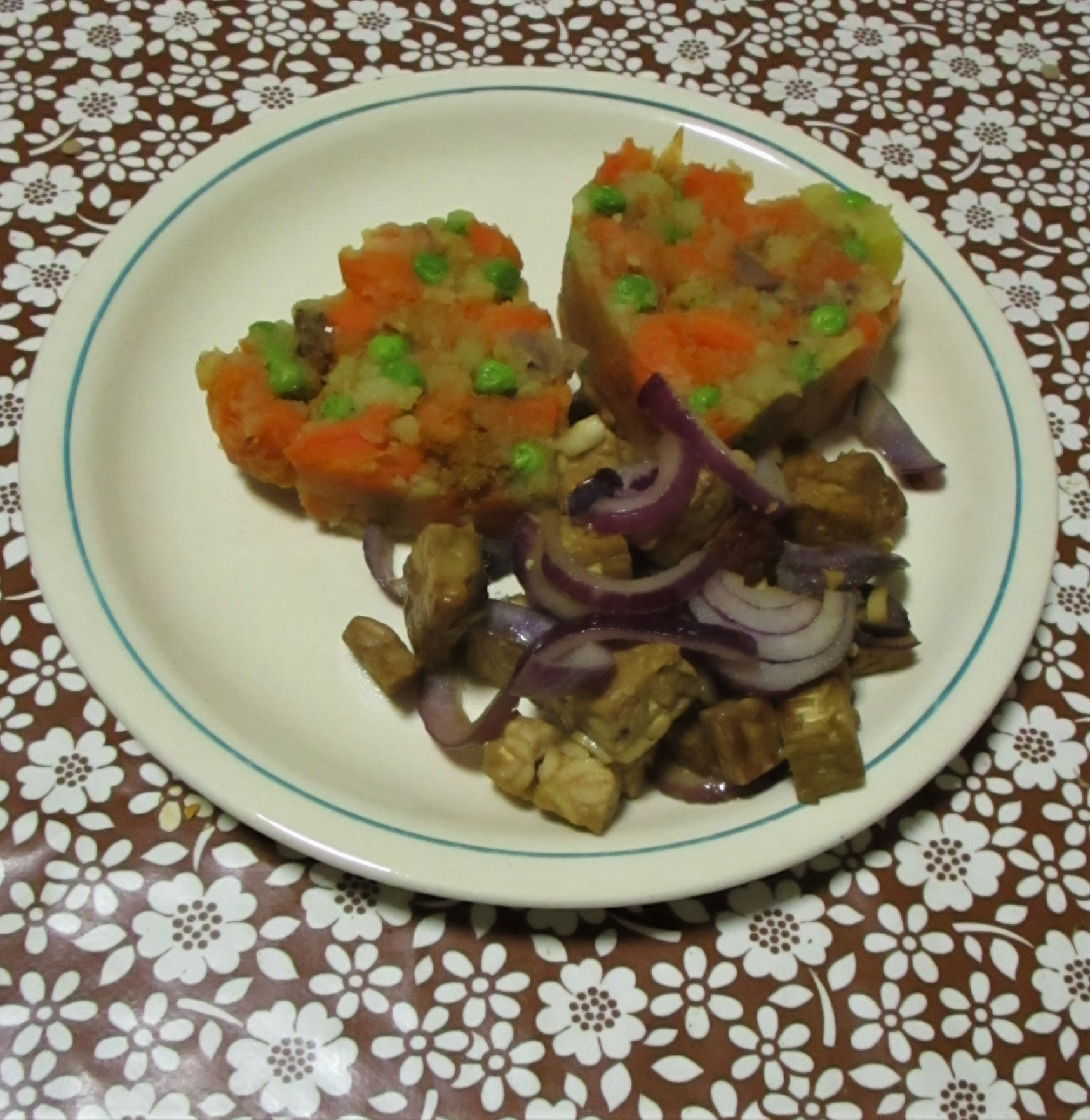 wortelpuree met erwtjes vegan veganistisch tempeh suikervrij e-nummervrij rotzooivrij